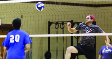 Volleyball tourney kicks off intramural sports