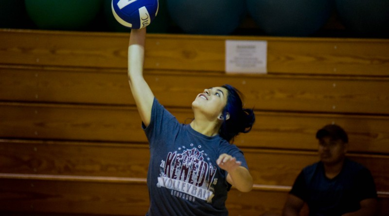 Gabriela Albiar serves a ball during the volleyball serve challenge on September 25, 2017 in the Kinesiology building