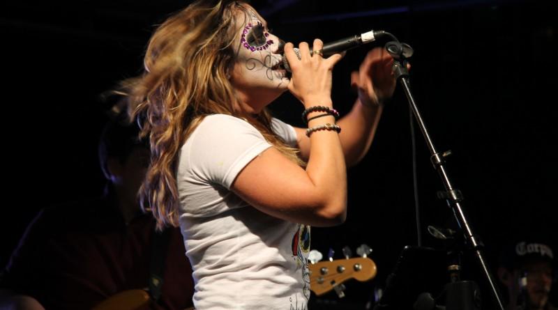 Clarissa Serna singing
