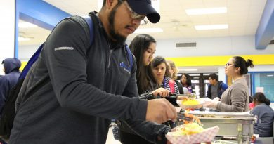 Clubs look to recruit at Rush Week
