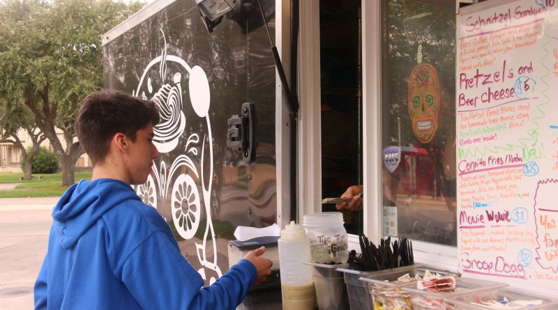 Food trucks welcome on campus