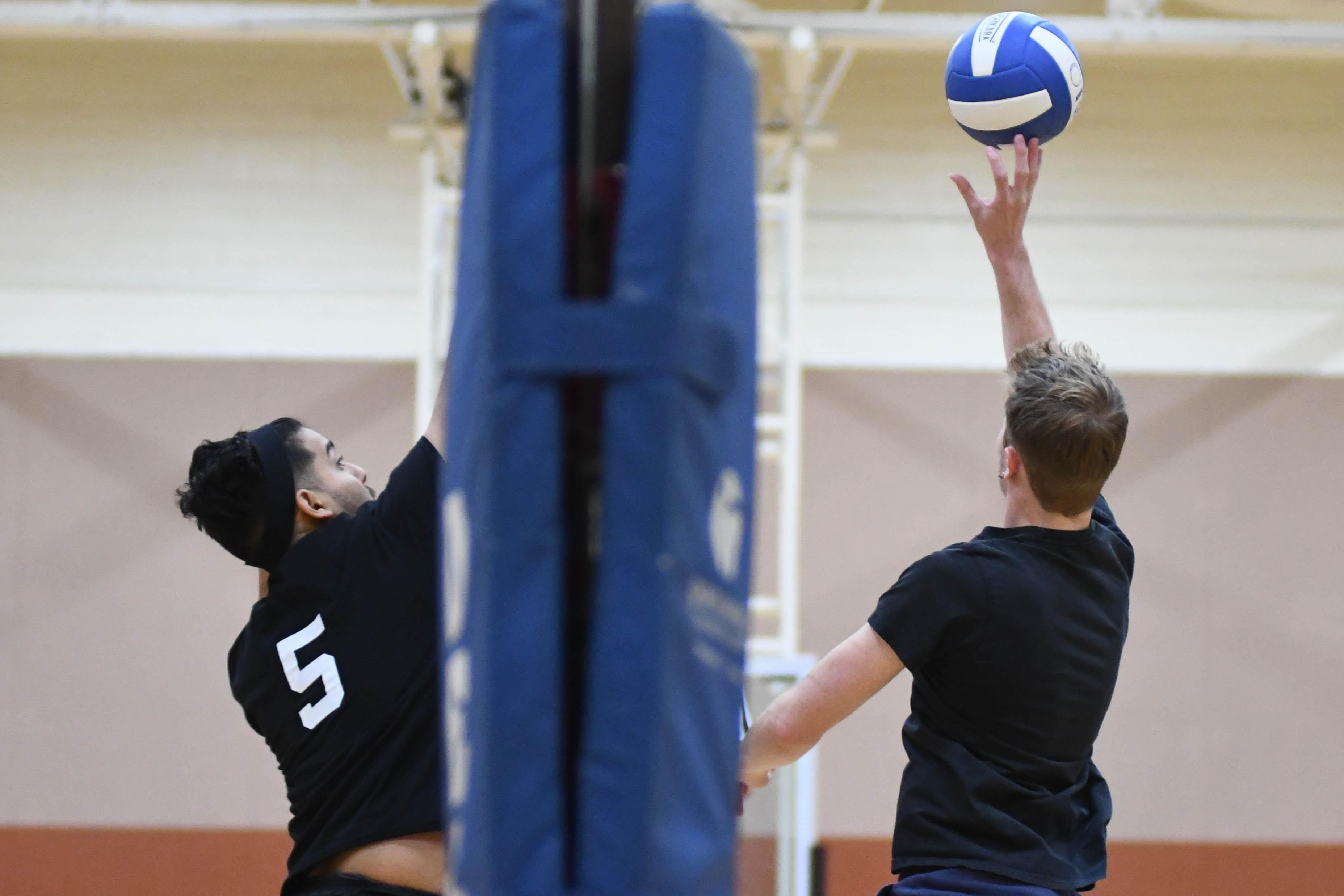 Volleyball kicks off intramurals